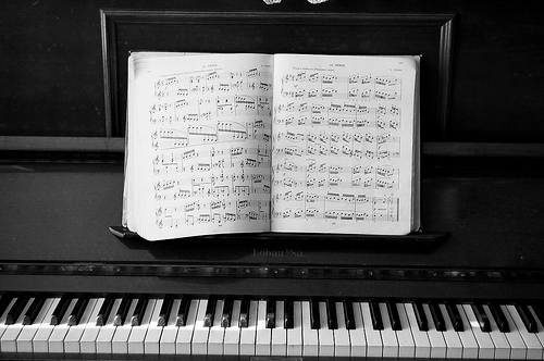cuhwristeen: wow i miss piano so much