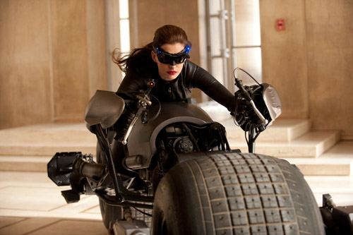 First video of Anne Hathaway on the Batpod!!!!!! There was more shooting in Pittsburgh this weekend for The Dark Knight Rises, which means more spoiler videos on YouTube today - including the first shots of Anne Hathaway as Catwoman riding the Batpod!   Check out the video below to see the action at full speed, then a handily slooooowwwwwed-doooooowwwwwn version straight after…