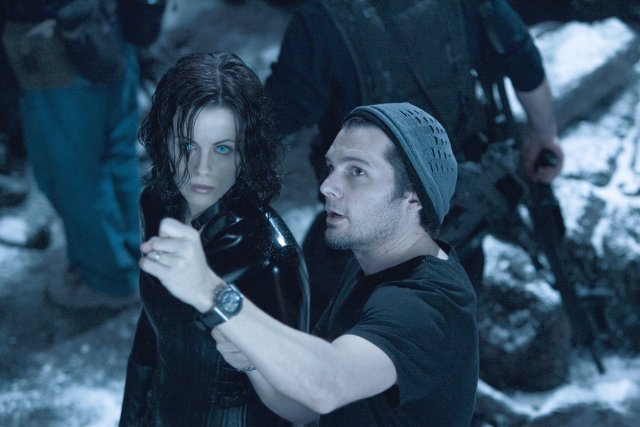 Yeah Buddy Kate Beckinsale and Len Wiseman on-set Underworld: Evolution (2006)