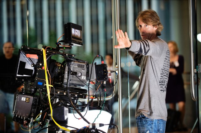 fuckyeahdirectors :     Michael Bay on-set  Transformers: Dark of the Moon (2011)