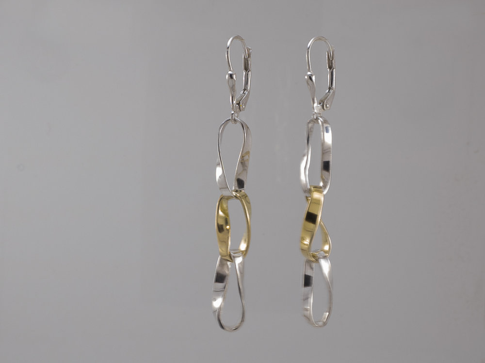 Moebius earrings, s/silver & 18ct, Bernard Skahill