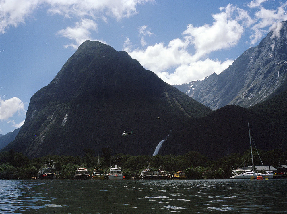 Milford-Sound-Helicopter.jpg