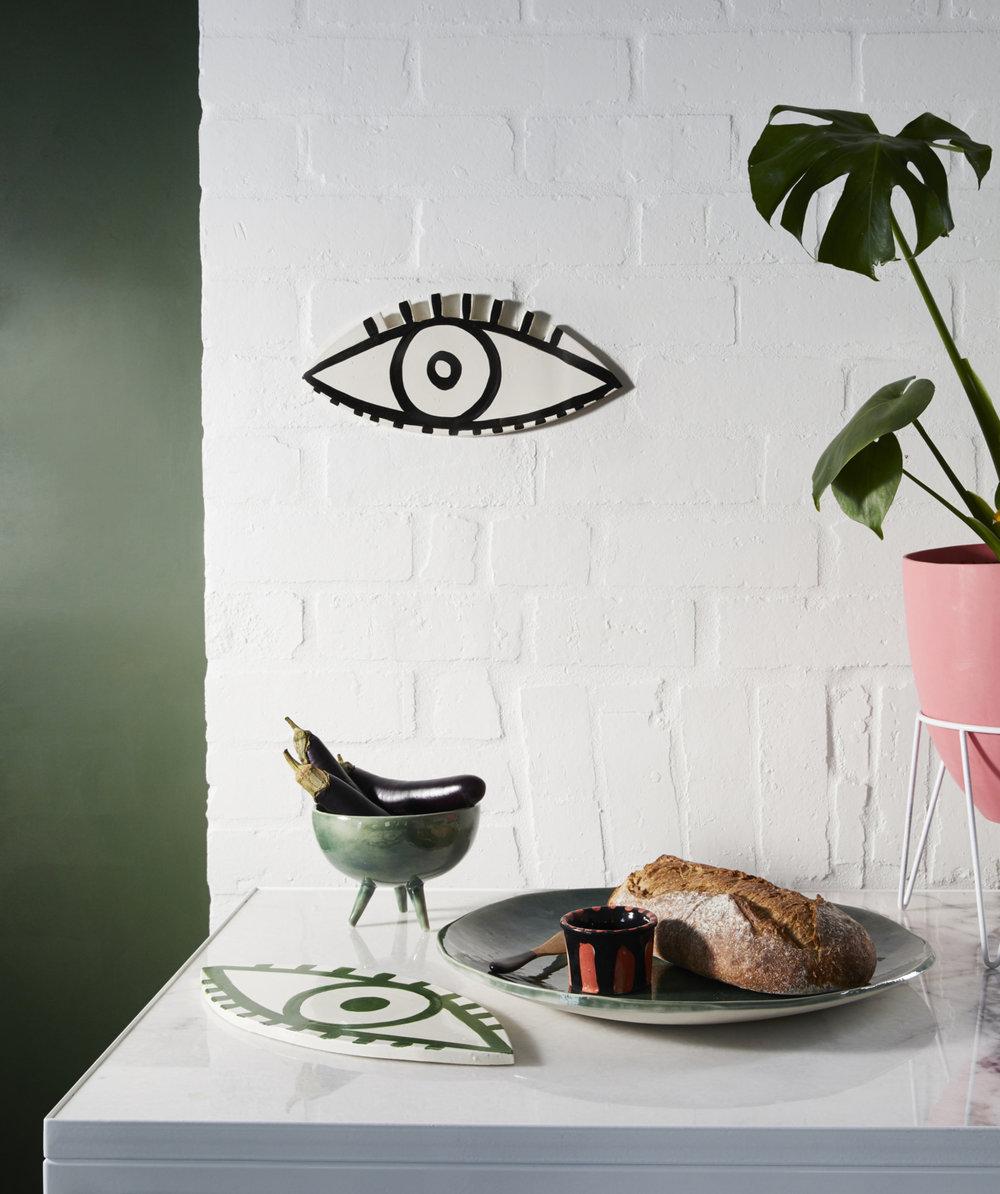 Kaz-Morton-Looksie-Eye-hanging-1280x1528.jpg
