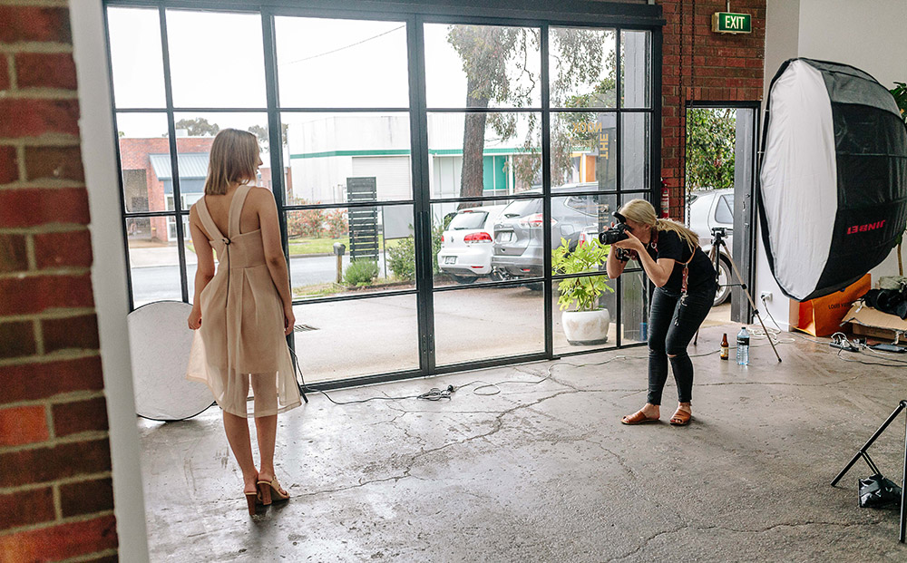 photoshoot-booking-the-nook-creative-space-hire-mornington-1000px-001.jpg