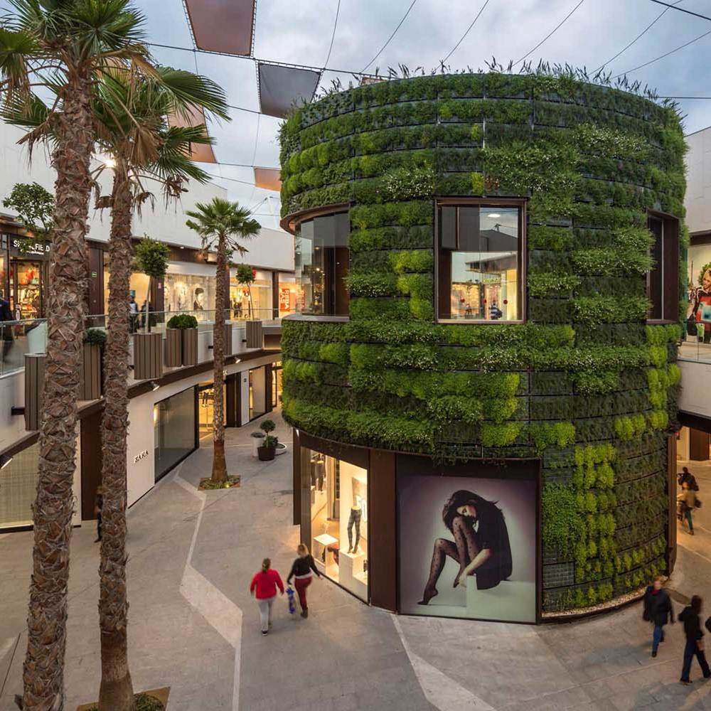 Carrefour Holea Plaza, Huelva, Spain Strong environmental vision incorporating a park concept into retail.