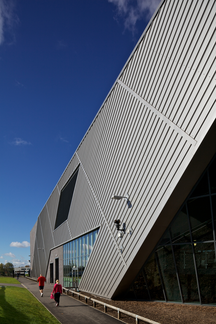 knowlsey_sports_centre_6.jpg