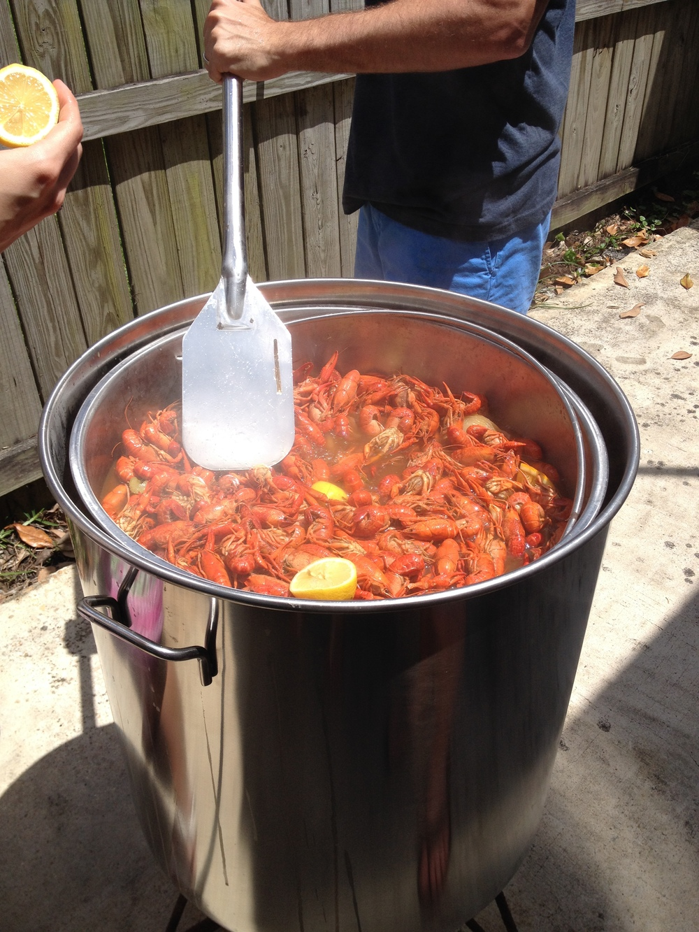 051714 crawfish boil (12).JPG