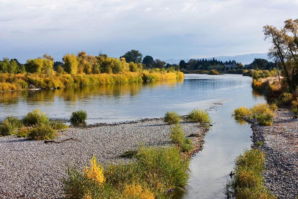 river1024.jpg