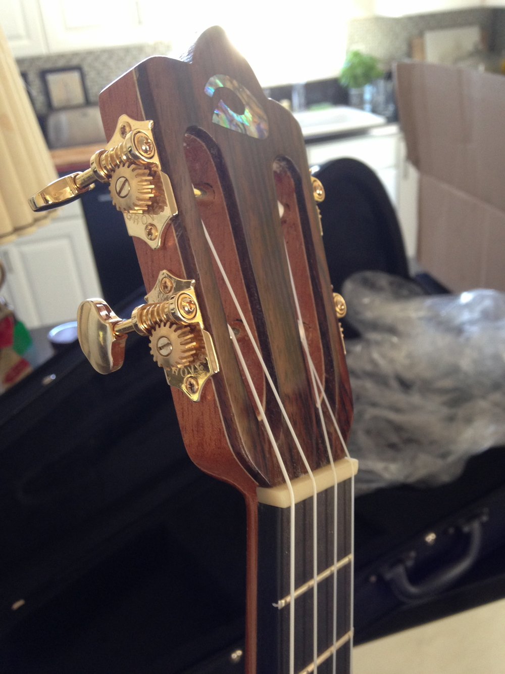 Tenor Ukulele Custom Ukulele Headstock