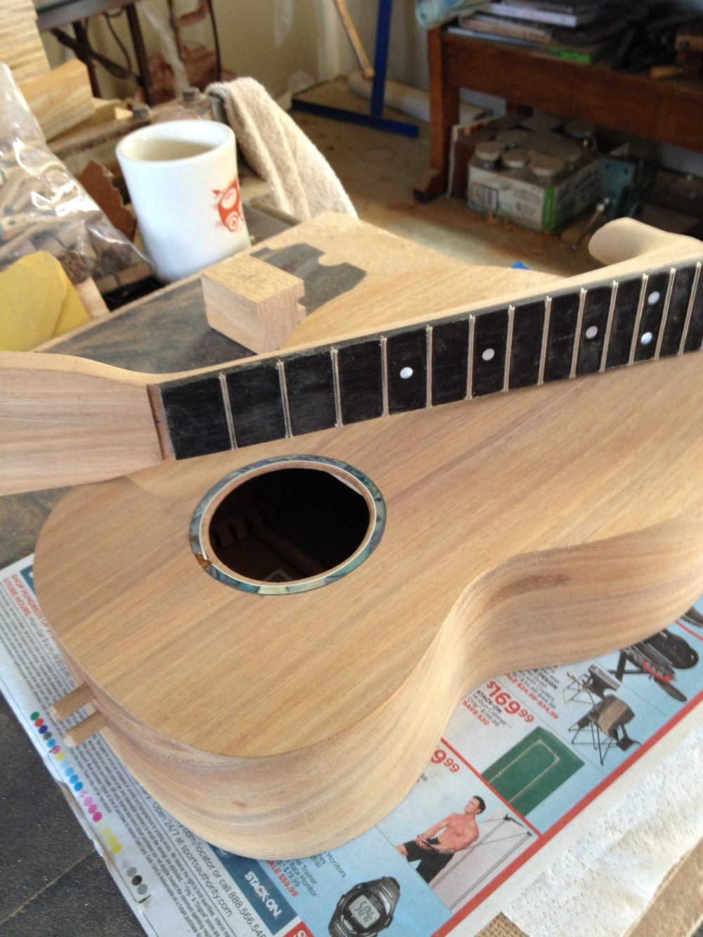 Mahogany ukulele tenor with abalone rosette