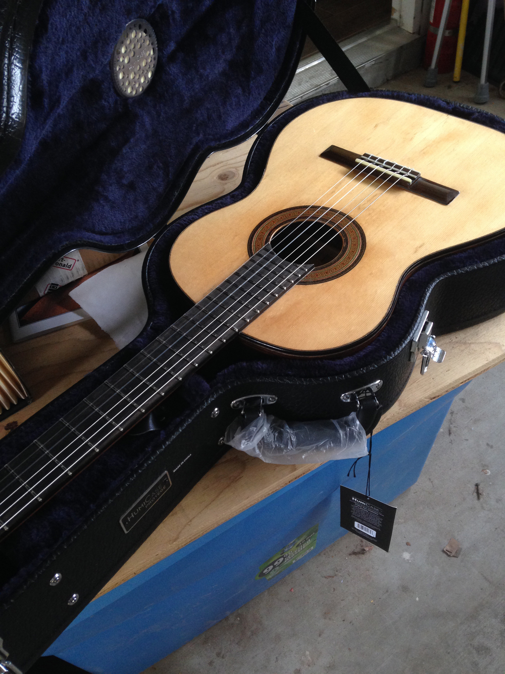 Brazilian rosewood / sitka spruce classical guitar