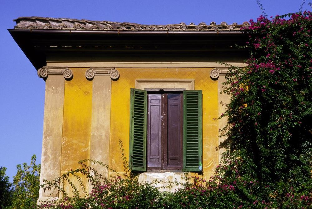 Gary Beeber, Roman House, 60x40, CIBACRHOME Color Archival Print.JPG
