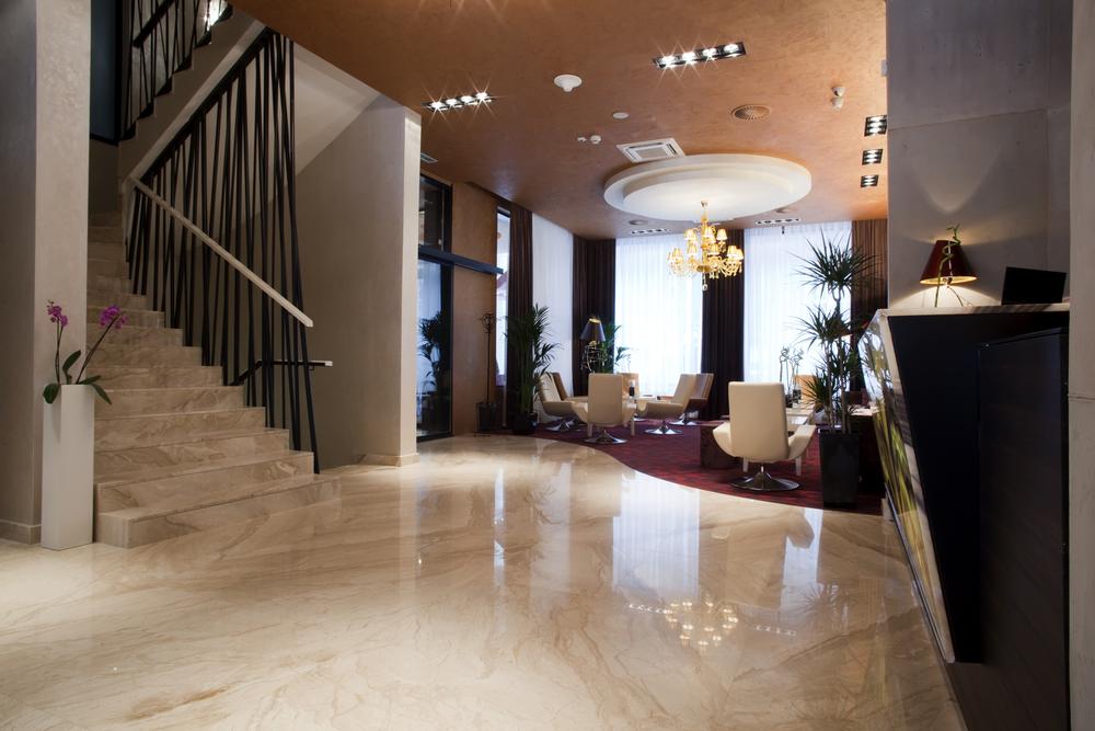 Boutique-Hotel-Lobby_w.jpg