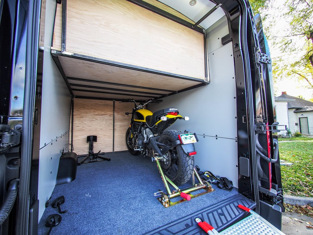 Ford Transit High Roof Extended - Ducati Edition