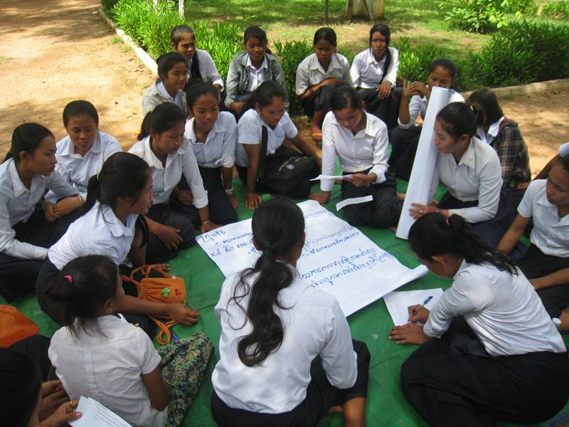 GATE students discuss annual workshop held on 27 May at Southnikum district.JPG