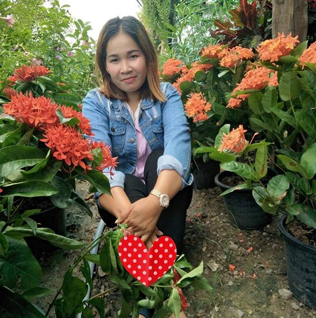Today we are honoring Vannak Nika, one of our first generation scholarship recipients in Banteay Meanchey. She passed away on January 3rd after battling spinal cord cancer. Our deepest condolences to her family.