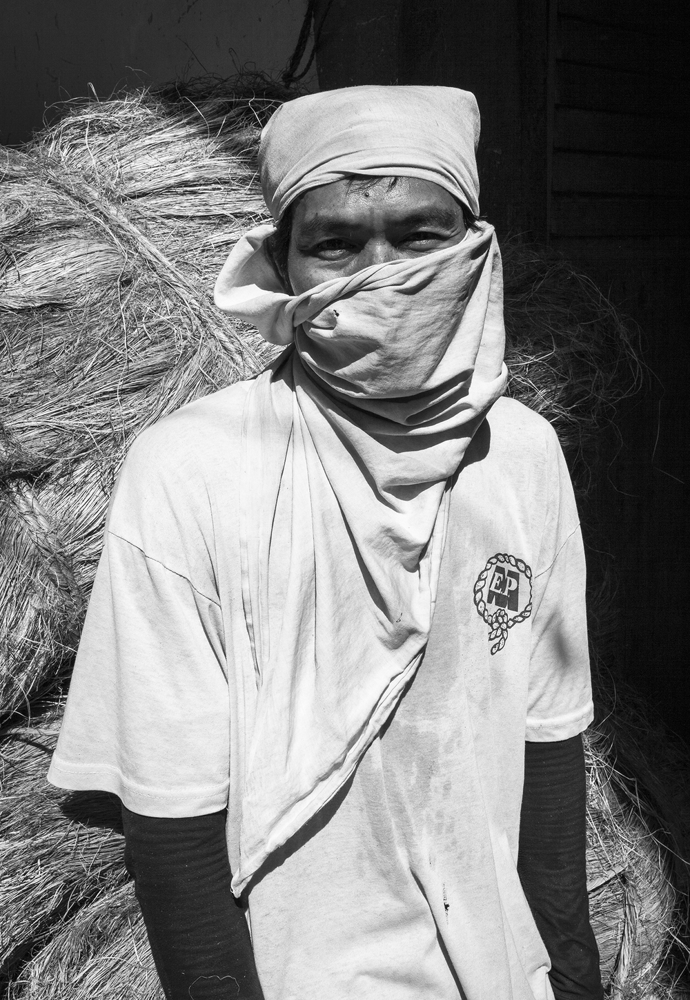 ©_Mark_Maio_Hemp_Worker_Phillipines.jpg