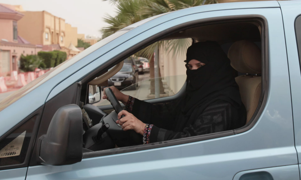 https://www.theguardian.com/world/2017/sep/26/saudi-arabias-king-issues-order-allowing-women-to-drive