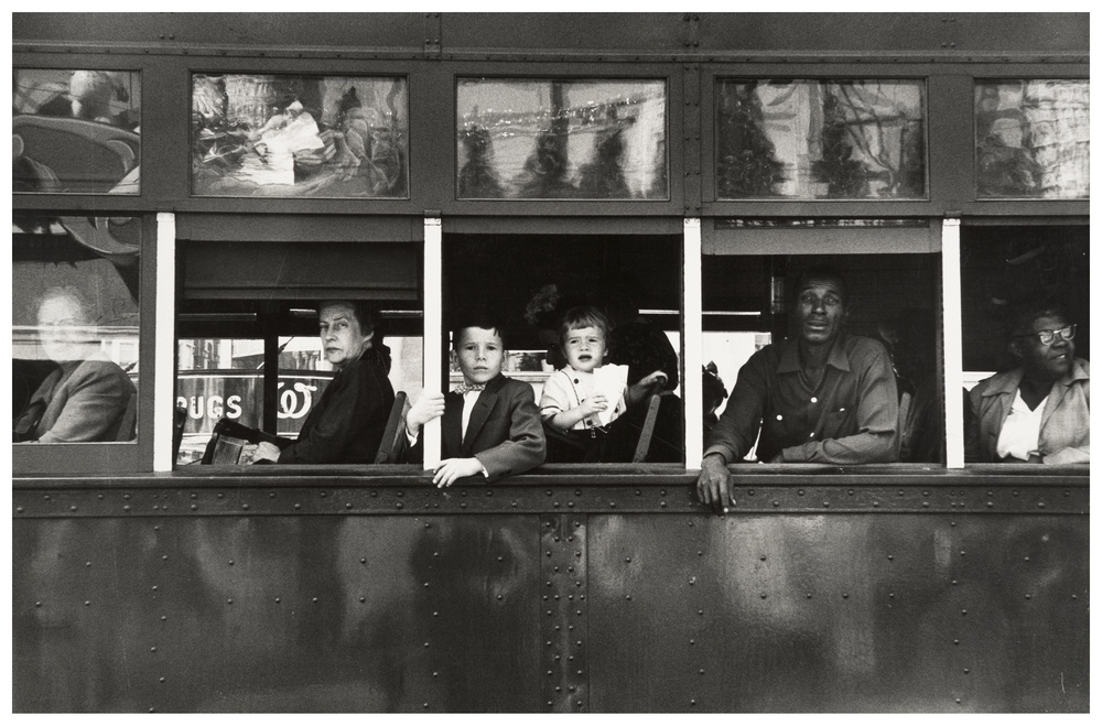 18_robert-frank_trolley-new-orleans_1955.jpg