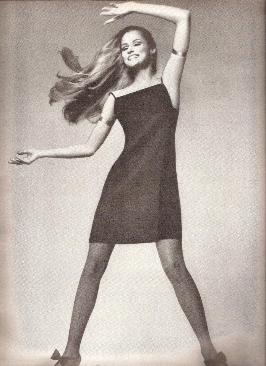 us-vogue-aug-1966-richard-avedon-3.jpg