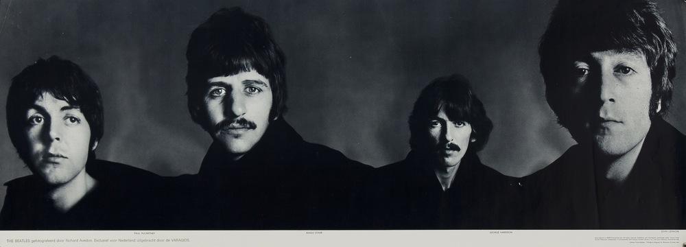 the_beatles_banner_richard-avedon_1967.jpg
