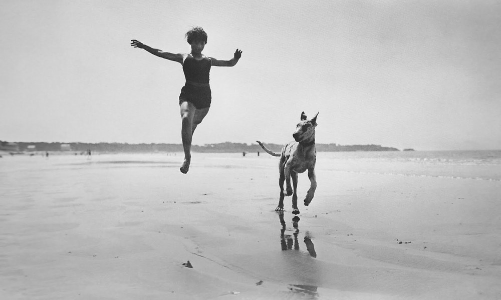 Jacques+Henri+Lartigue++Jeanine+Lhemann,+Royan,+September+1966+mine+crop.jpg