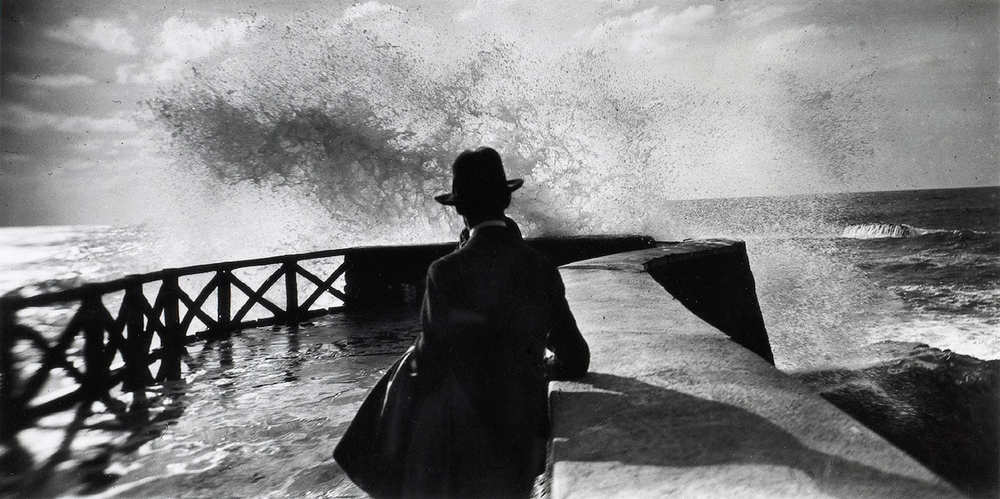 Jacques Henri Lartigue seaside.jpeg