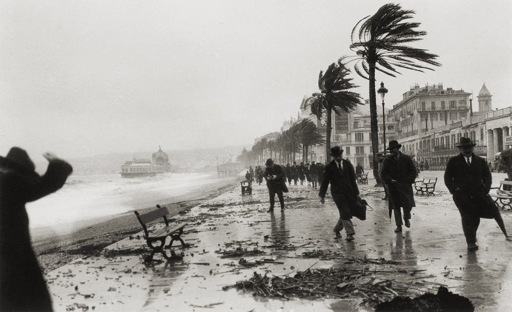 storm-in-nice-france-1925-photo-by-jacques-henri-lartigue1.jpg