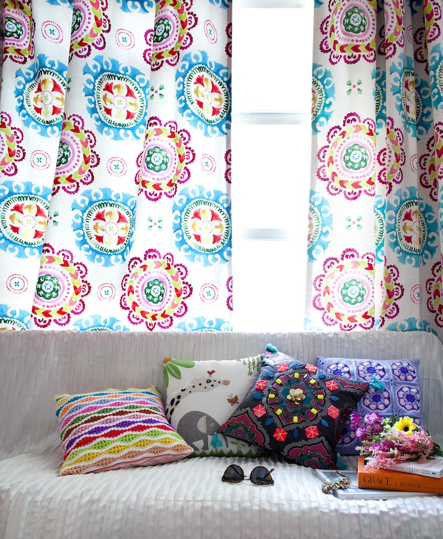 zoe_livingroom.jpg