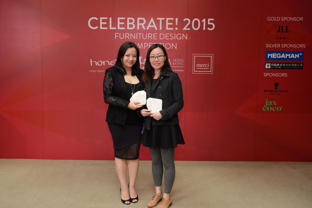 Trophy Presentation - Popular Vote Prize