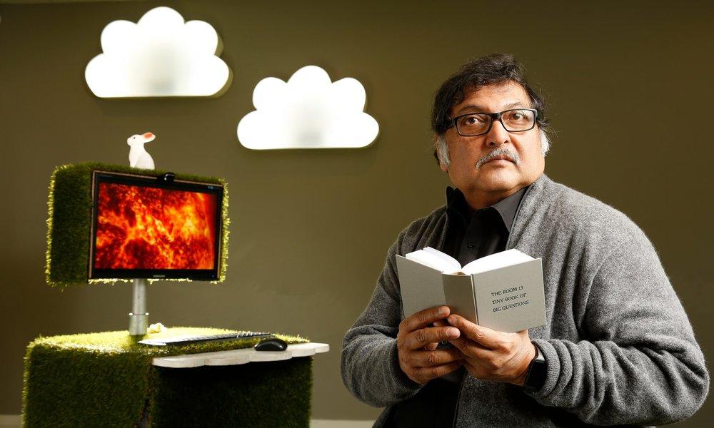 S O L E - 4 napos képzés a SOLE nagymestertől,Sugata Mitra-tól és tanítványátol.Gyertek, tanuljunk együtt.