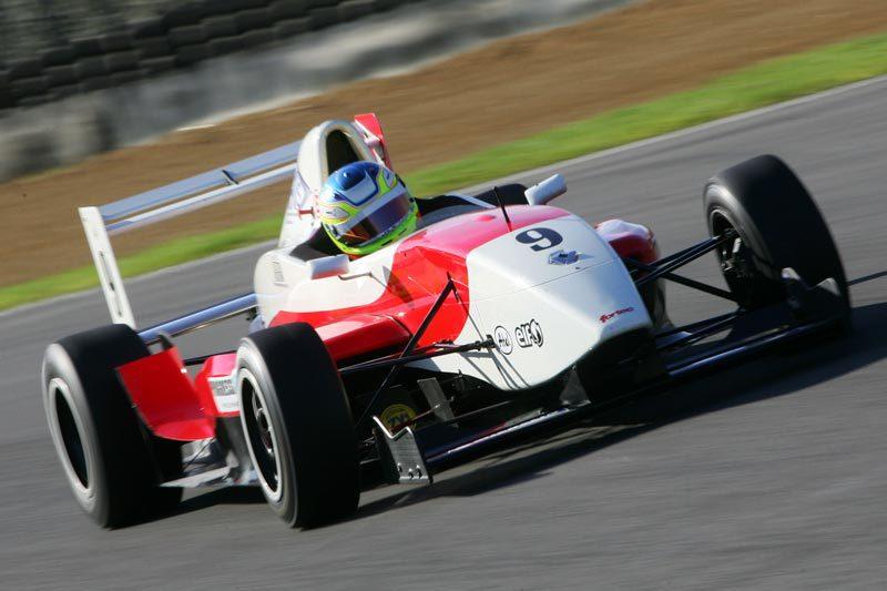 Bradley-in-Formular-Renault