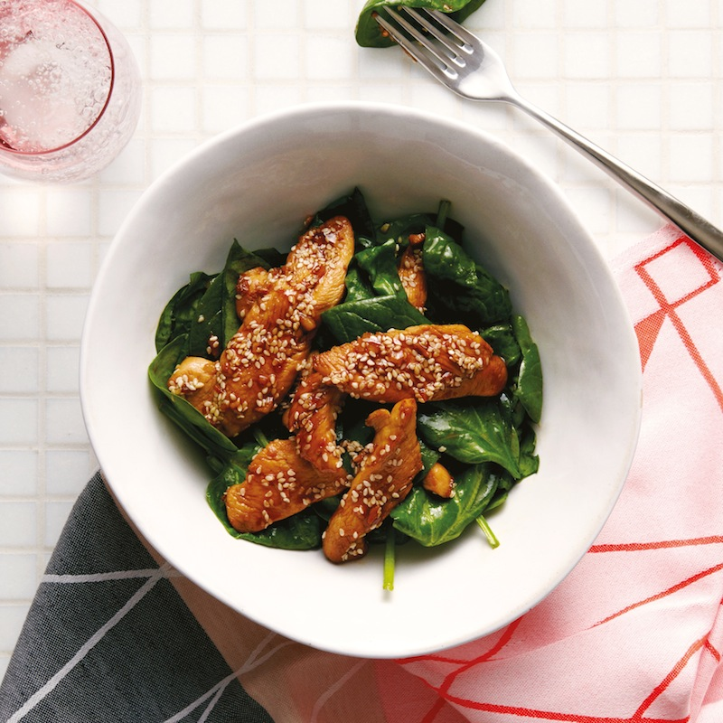 Sesame Chicken and Spinach. Via  Bilder & De Clerq