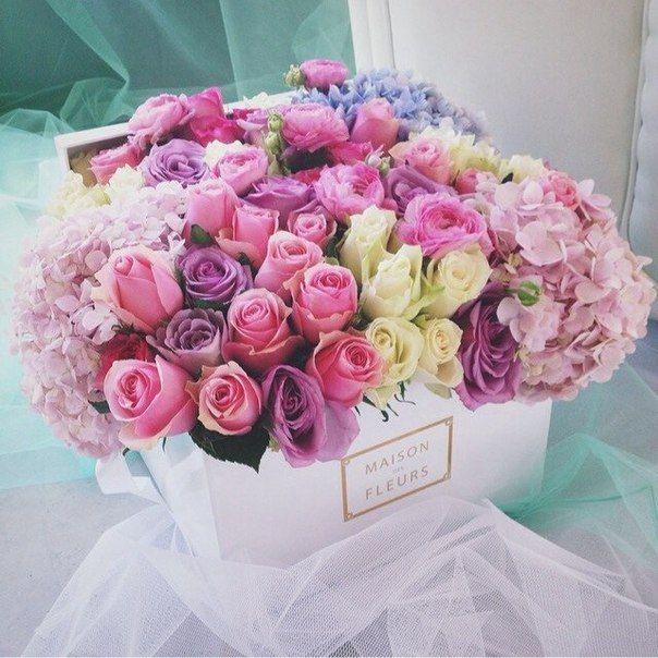 Image via  here . Flowers via  Maison des Fleurs  in Paris.