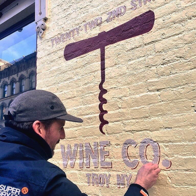sign painting 22st wineco.jpg