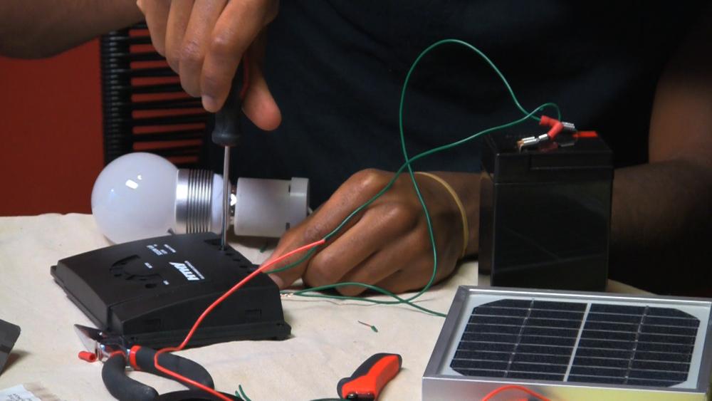 CU_panel-battery-bulb.jpg