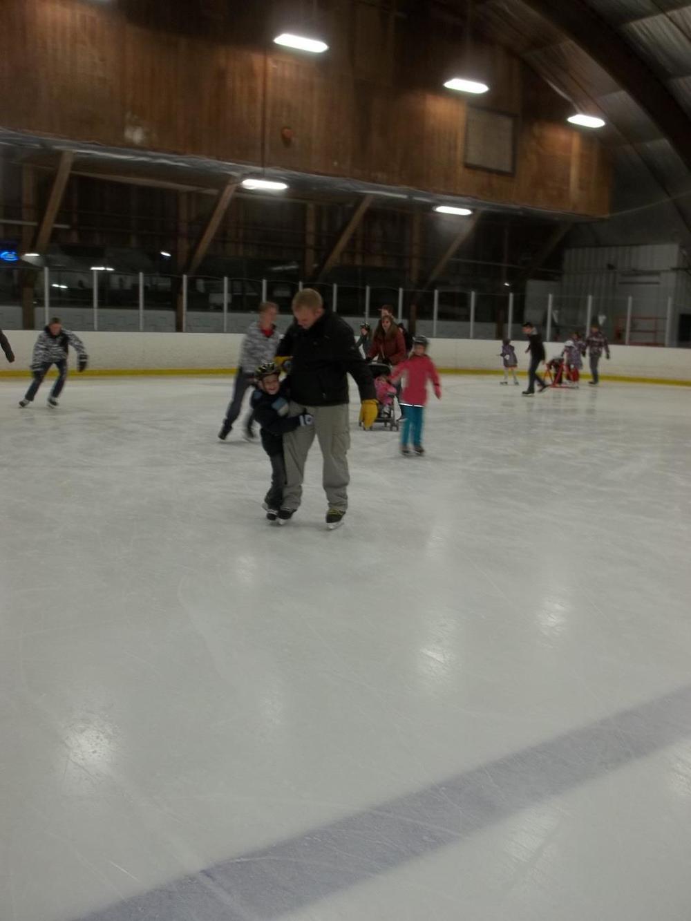 Skating 014.jpg