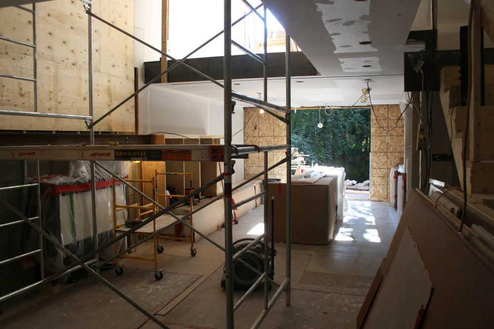 View looking towards kitchen and garden with 32' atrium on the left