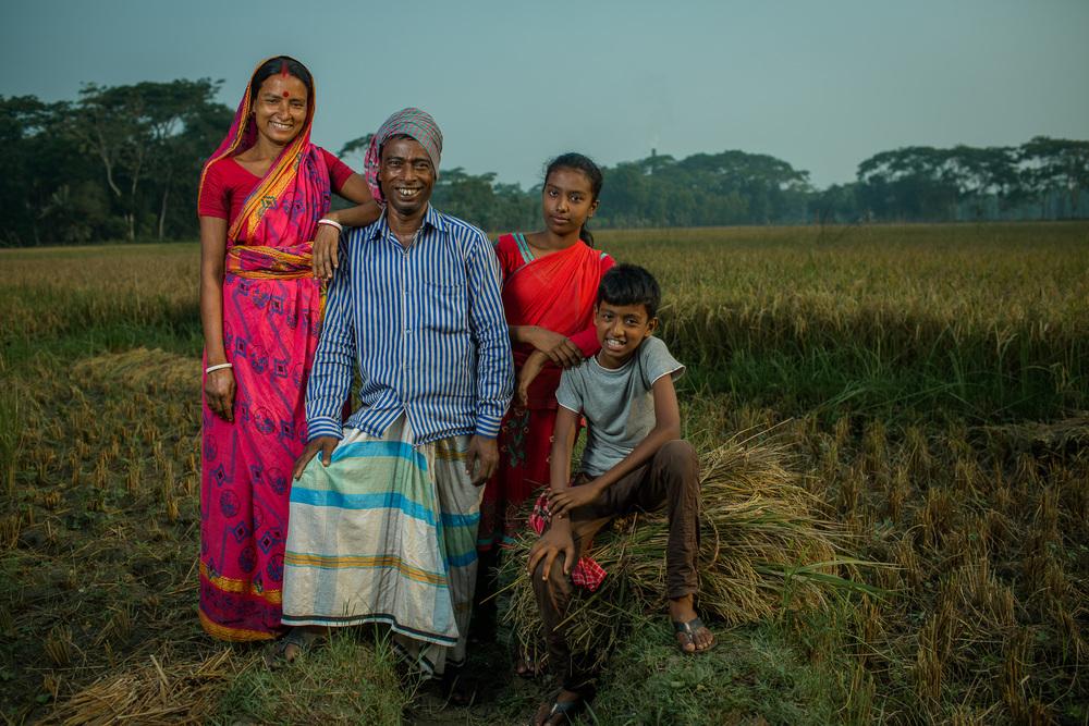 Bangladeshi rice farmer, Tarani Kanto Shikari (45), and his family.