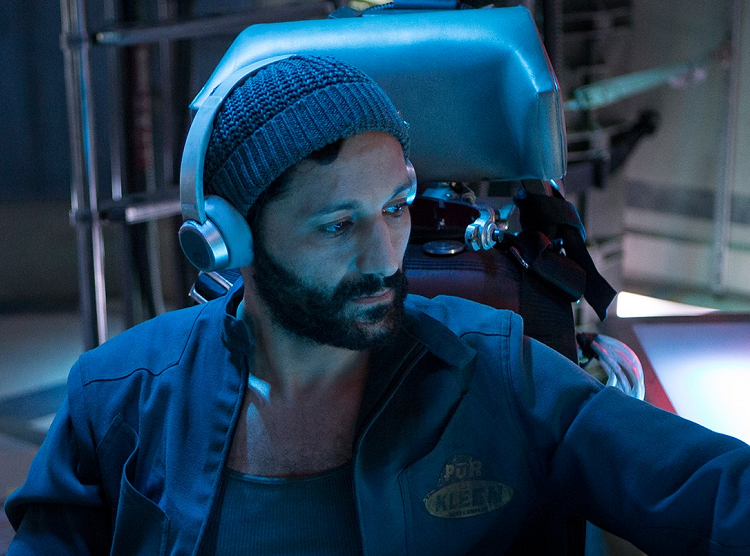 Cas Anvar as Martian pilot, Alex Kamal, special guest at Escape Velocity 2017