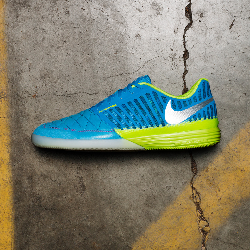 Nike FC247