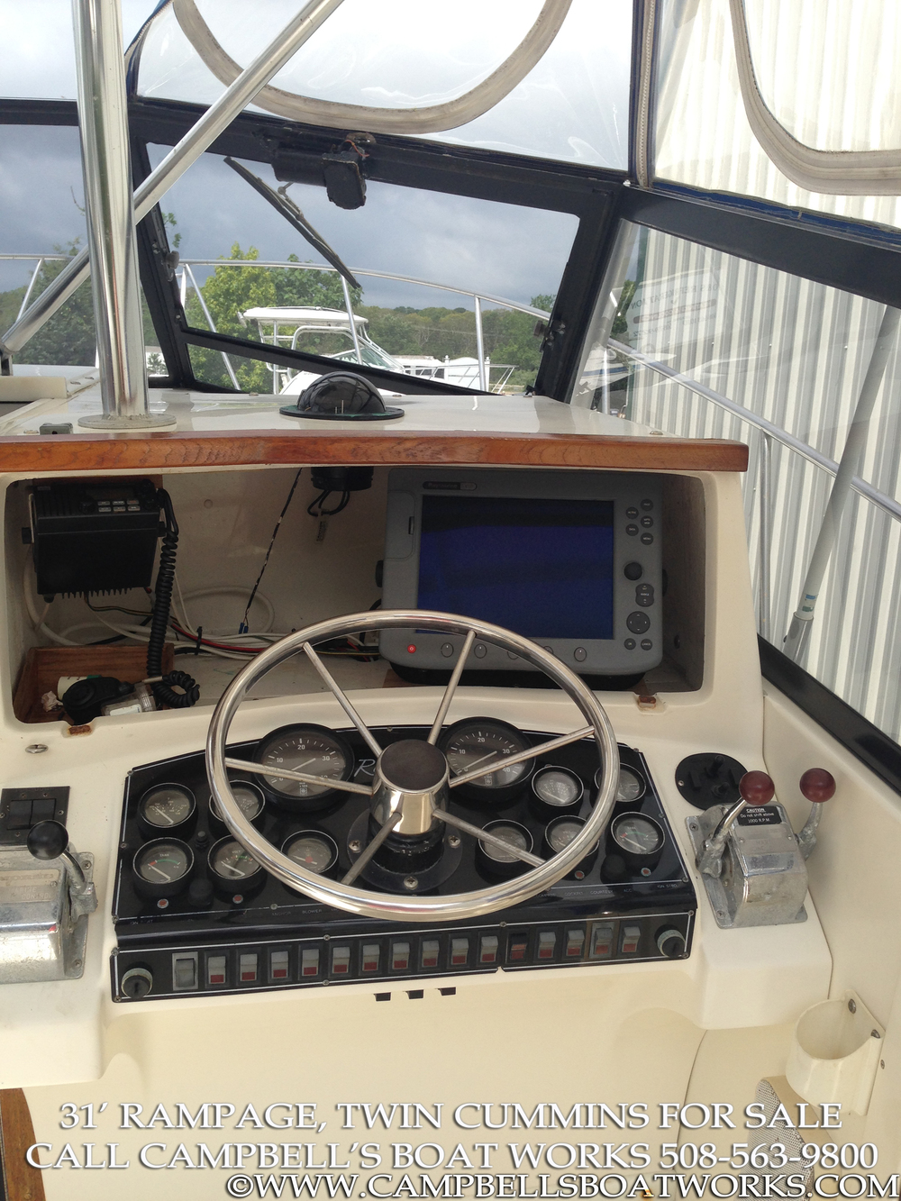 1990 31' Twin Diesel Rampage For Sale Helm and Electronics