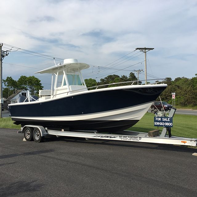 For Sale- 2004 Regulator 26 FS with Twin Yamaha 225's Turn key and ready to go! Come see it in our yard this weekend! #regulatorboats #boatforsale #centerconsole #fishing #capecodfishing #boating #capecodboating #capecod #newenglandboating #capecodlife