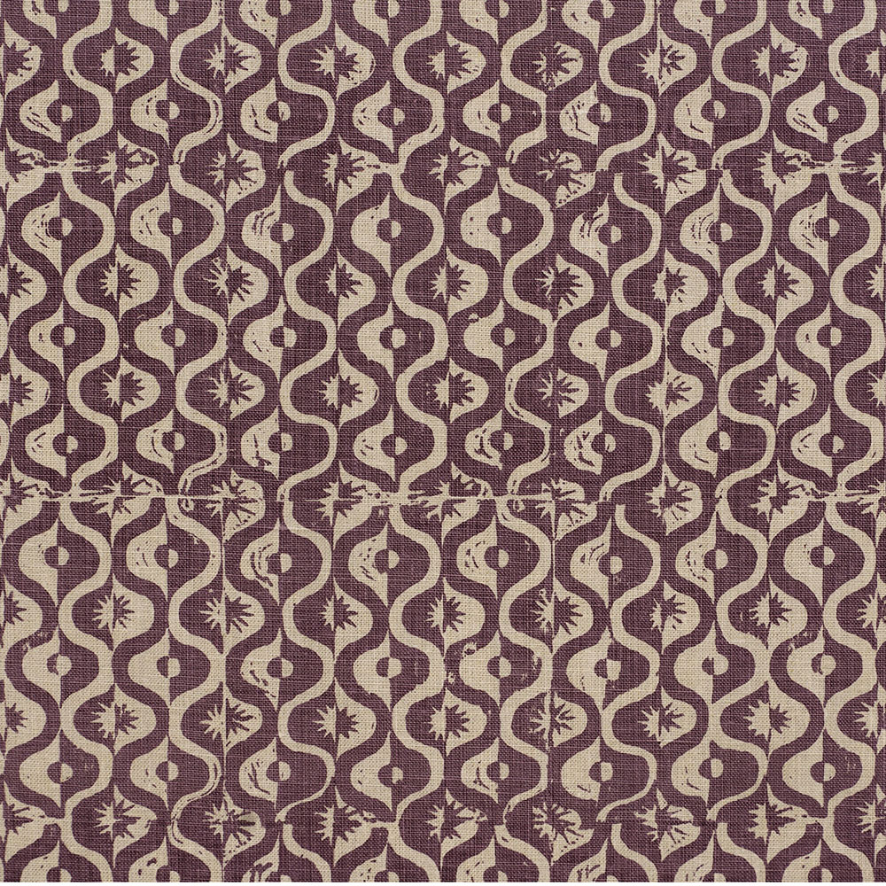 "<p><strong>SMALL MEDALLION</strong>aubergine 6800-03<a href=""/the-spencer-collection/small-medallion-aubergine-6800-03"">More →</a></p>"