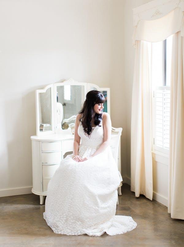 Heritage-haus-wedding-venue-austin-texas-bridal-suite