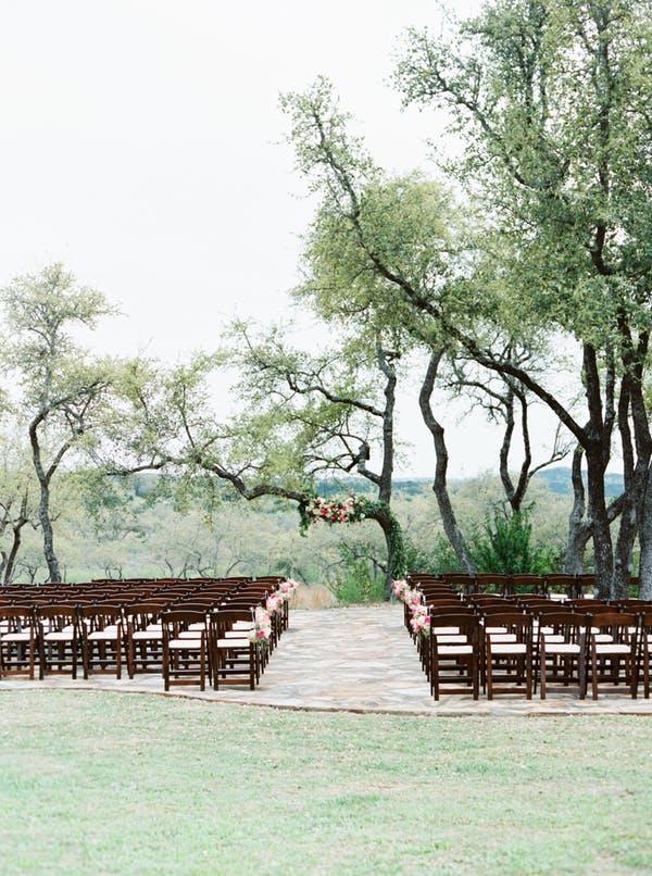 Heritage-haus-wedding-venue-austin-texas-outdoor-ceremony
