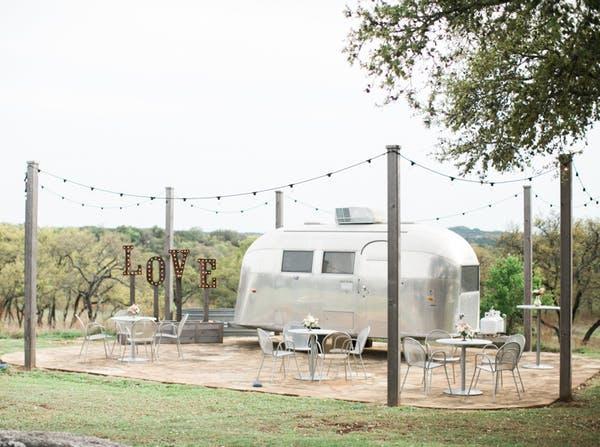 Heritage-haus-wedding-venue-austin-texas-teenie