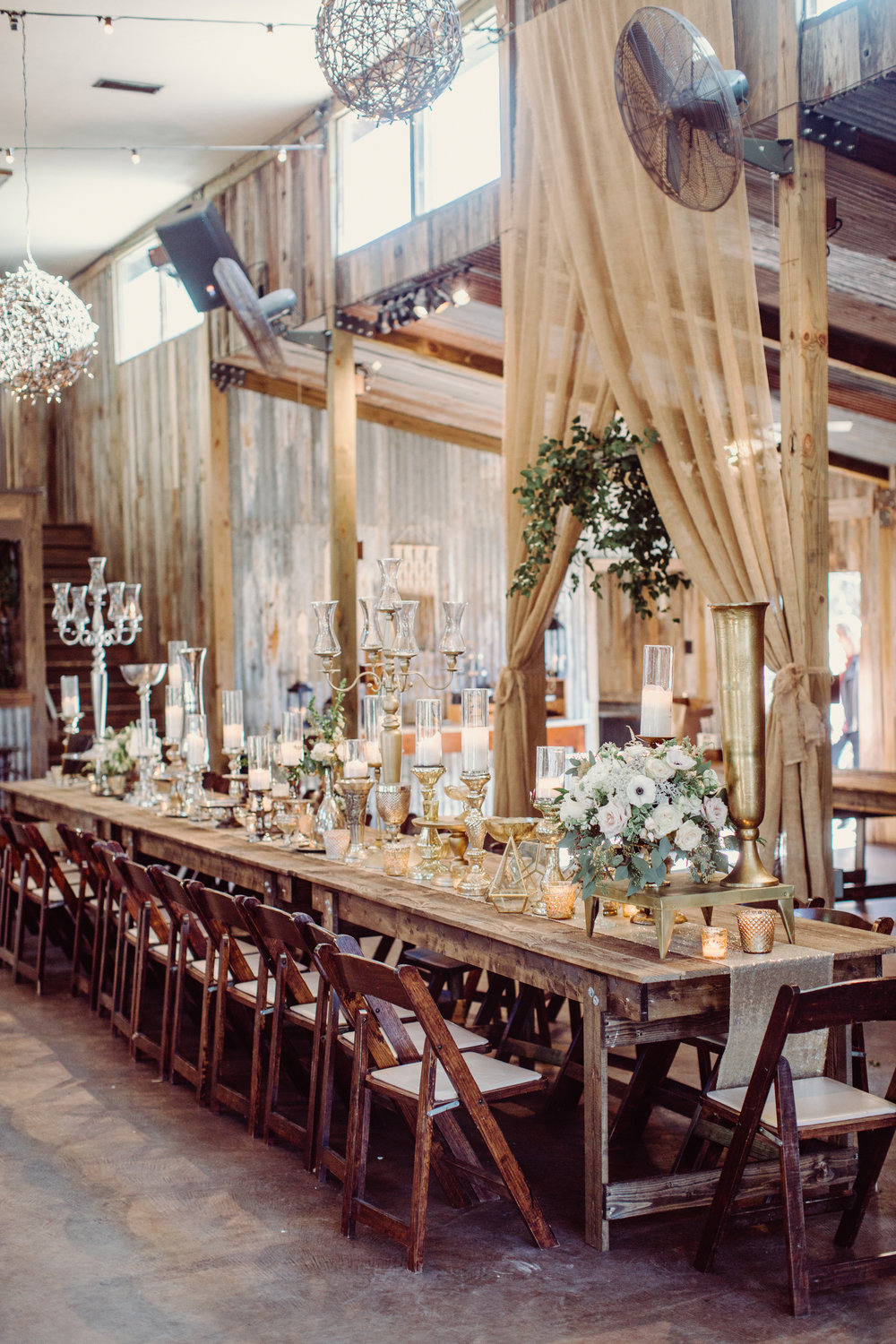 vista-west-ranch-barn-reception-venue-ceremony-texas-hill-country-wedding-venue-with-lodging