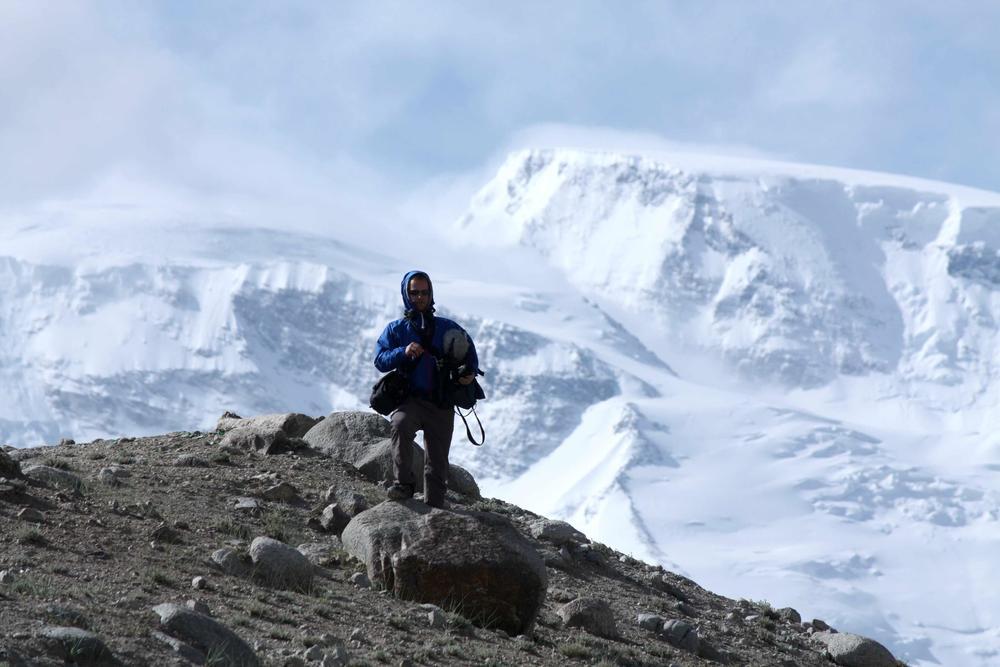 Karakul Lake-Muztagh Ata-Gonger (c. Sound Ark 2014).jpg