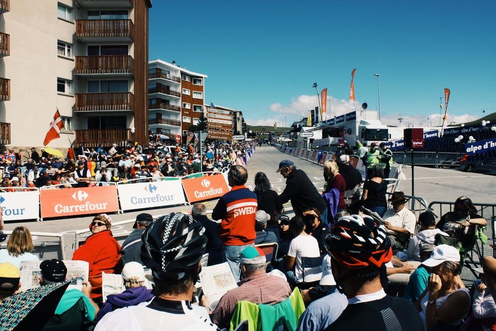 Alpe D'Huez final corner finish line